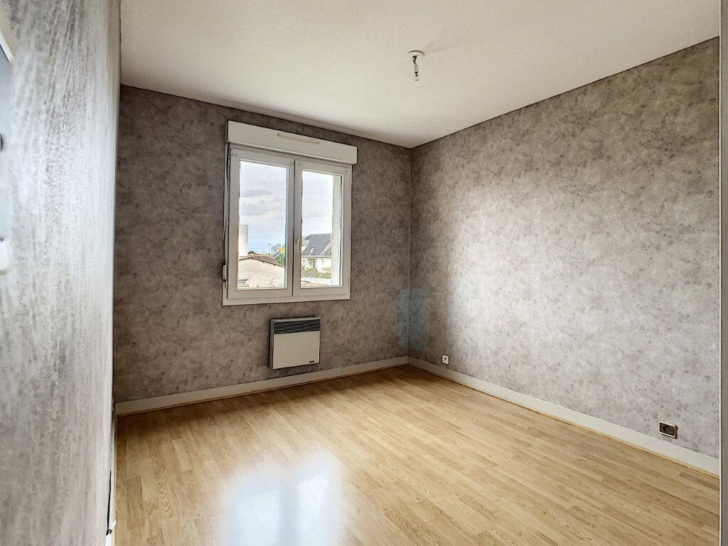 Appartement à vendre 5 110.01m2 à Joué-lès-Tours vignette-4