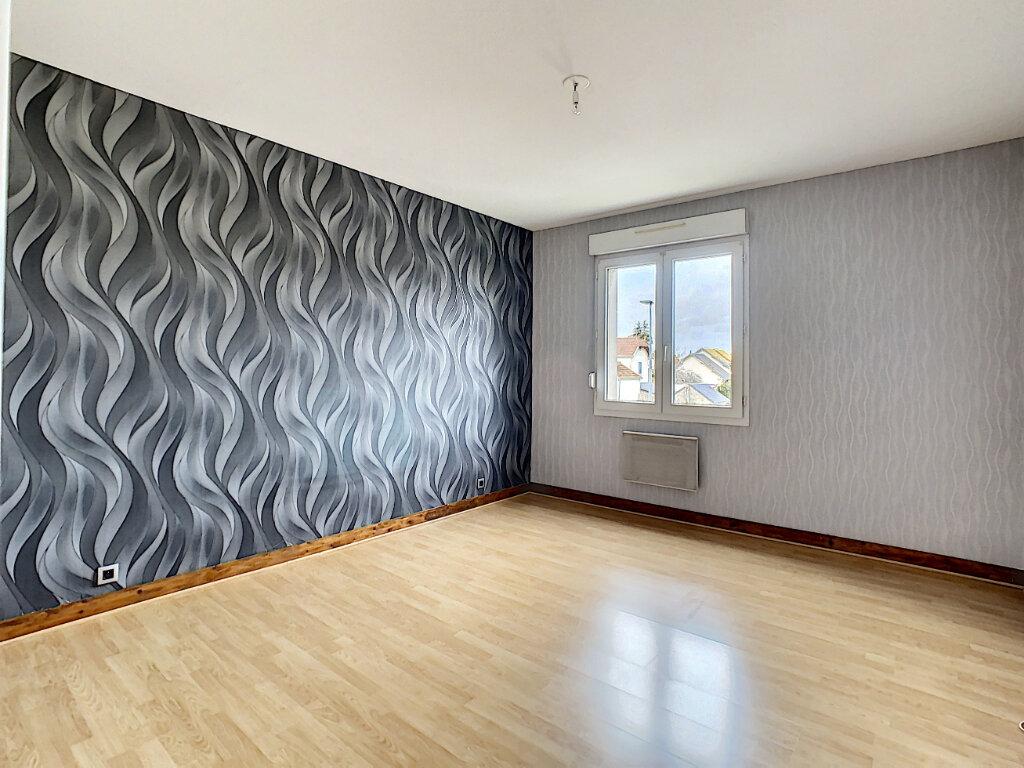 Appartement à vendre 5 110.01m2 à Joué-lès-Tours vignette-5