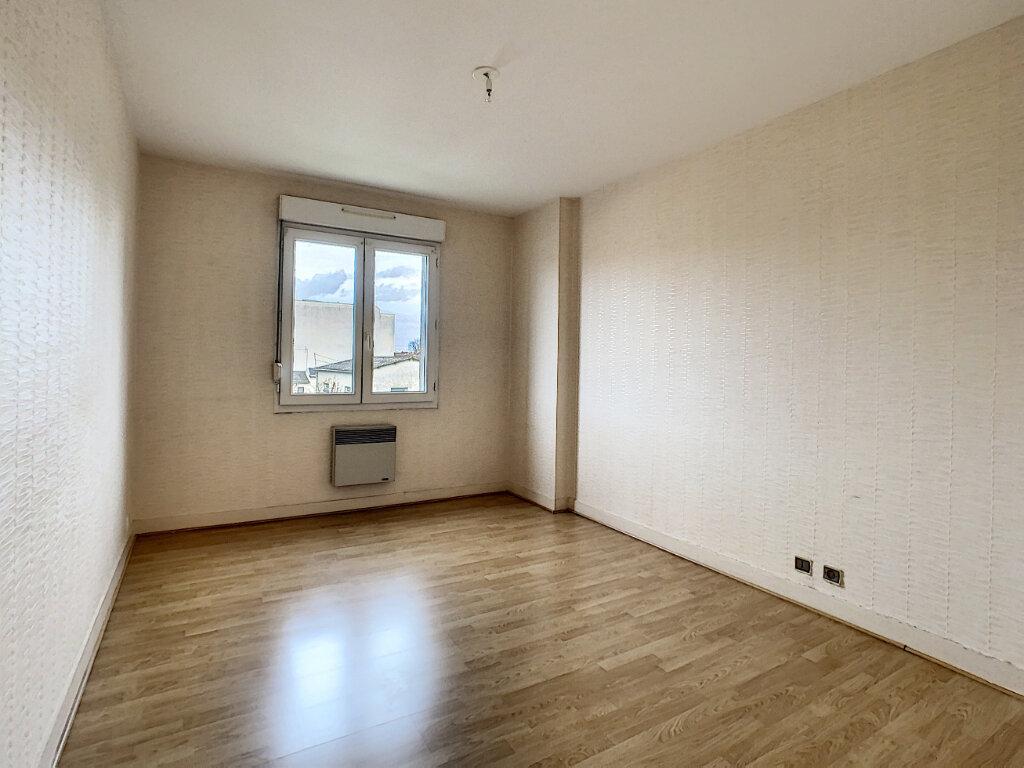 Appartement à vendre 5 110.01m2 à Joué-lès-Tours vignette-6