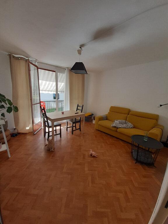 Appartement à louer 3 57.02m2 à Joué-lès-Tours vignette-1