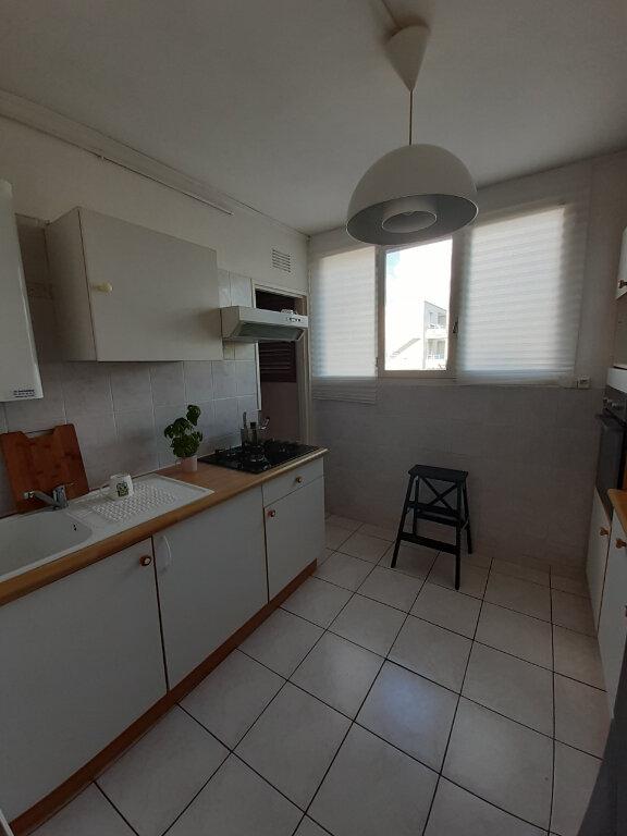 Appartement à louer 3 57.02m2 à Joué-lès-Tours vignette-2