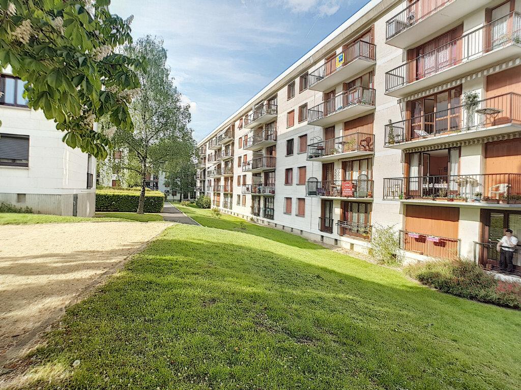 Appartement à louer 3 57.02m2 à Joué-lès-Tours vignette-6