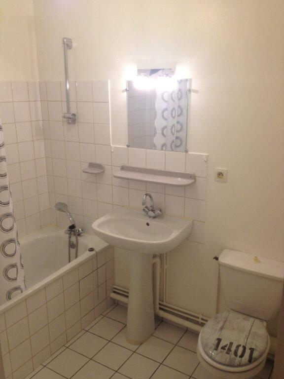 Appartement à louer 1 28m2 à Joué-lès-Tours vignette-3
