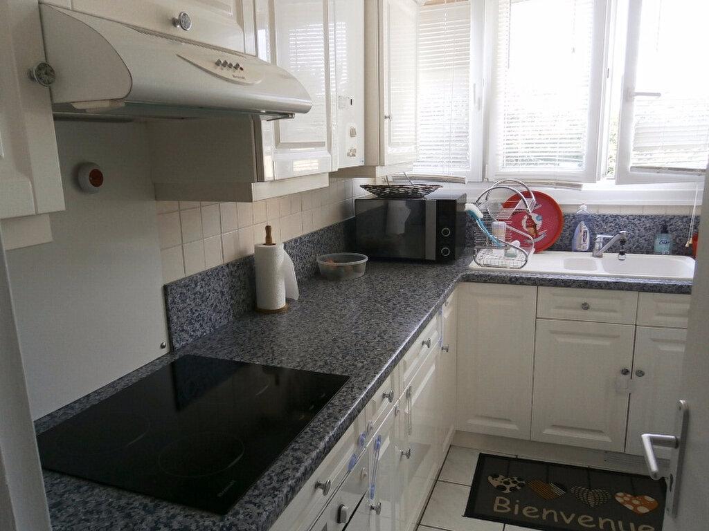 Appartement à louer 4 68.37m2 à Joué-lès-Tours vignette-8