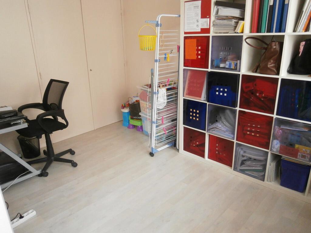 Appartement à louer 4 68.37m2 à Joué-lès-Tours vignette-12