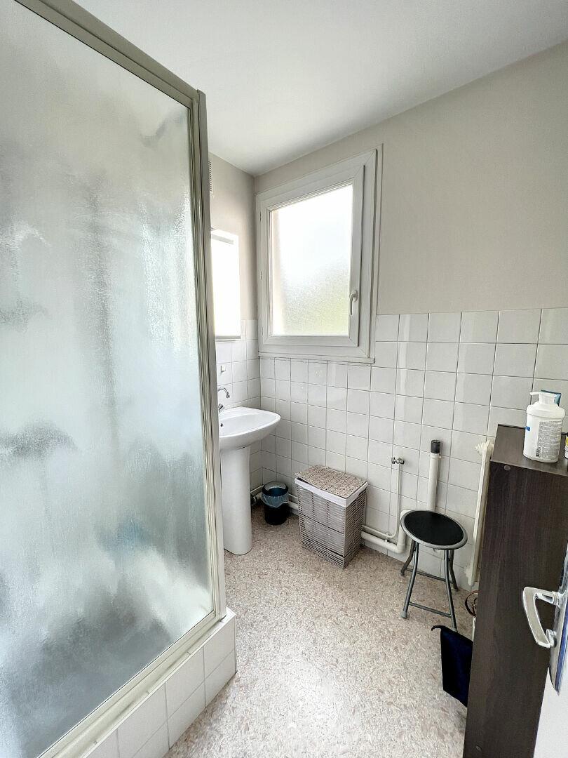 Appartement à louer 3 57.32m2 à Joué-lès-Tours vignette-4