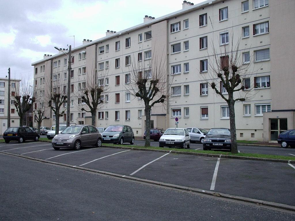 Appartement à louer 3 57.32m2 à Joué-lès-Tours vignette-6
