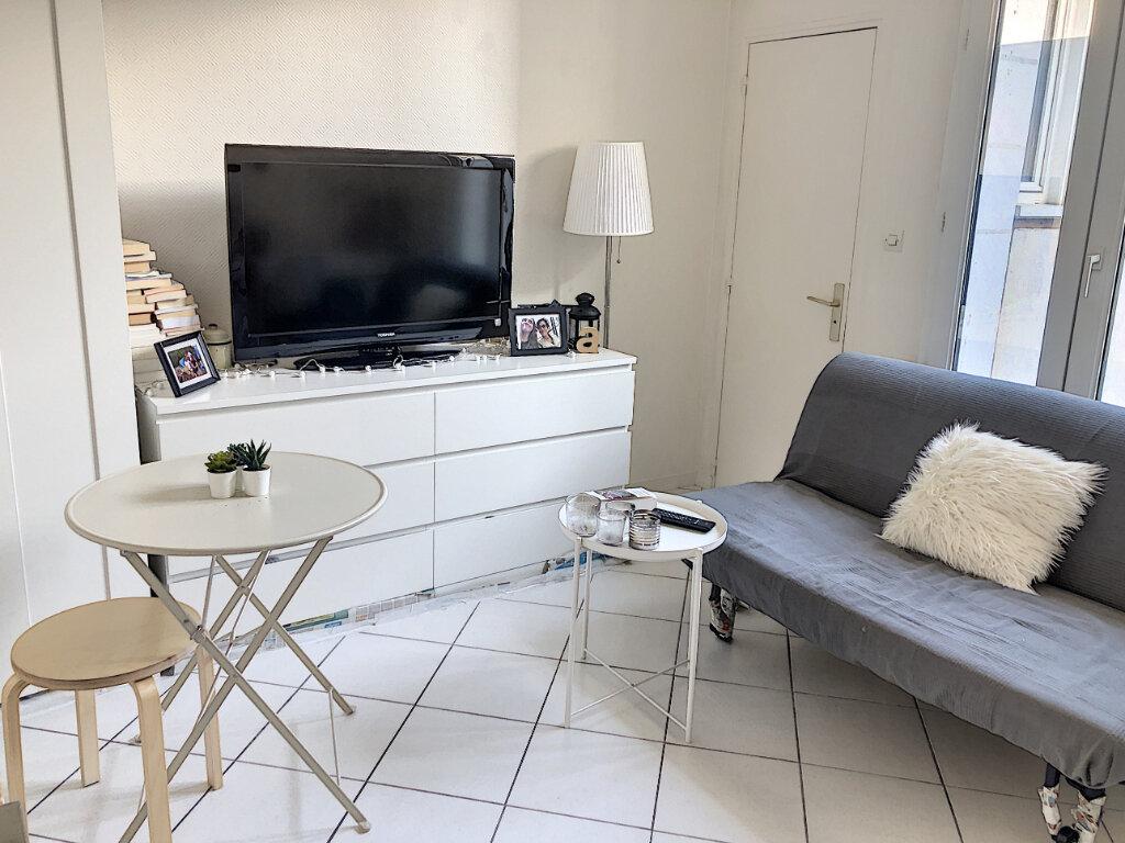 Appartement à louer 1 15.13m2 à Tours vignette-1