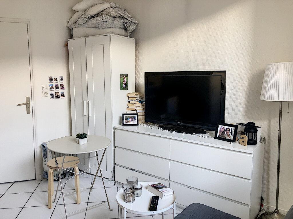Appartement à louer 1 15.13m2 à Tours vignette-2