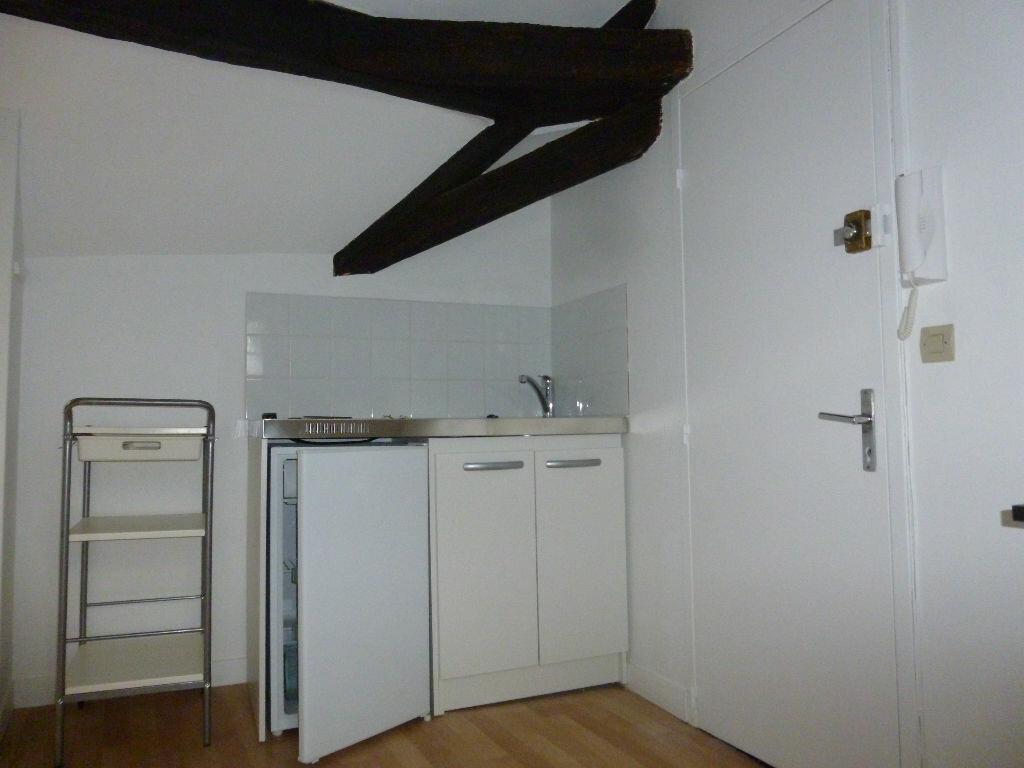 Appartement à louer 1 12.44m2 à Tours vignette-2