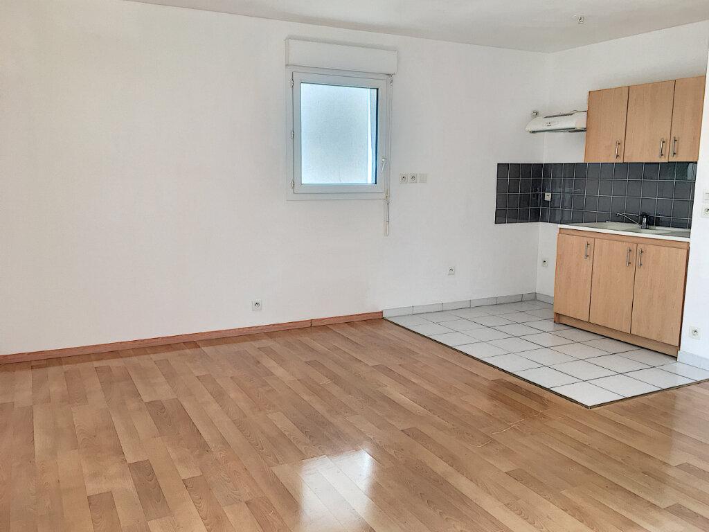 Appartement à louer 2 48.48m2 à Tours vignette-2