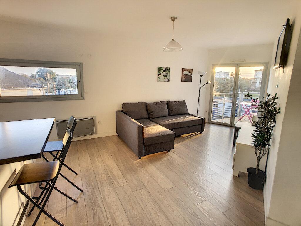 Appartement à louer 2 51.33m2 à Tours vignette-2