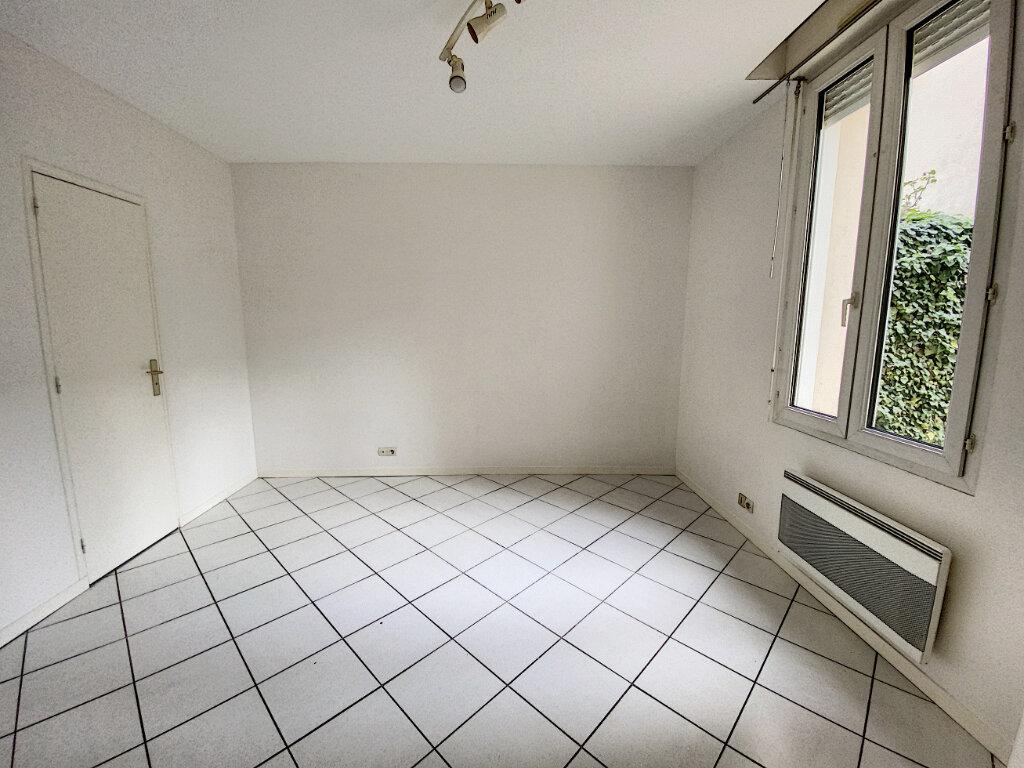 Appartement à louer 1 16.57m2 à Tours vignette-2