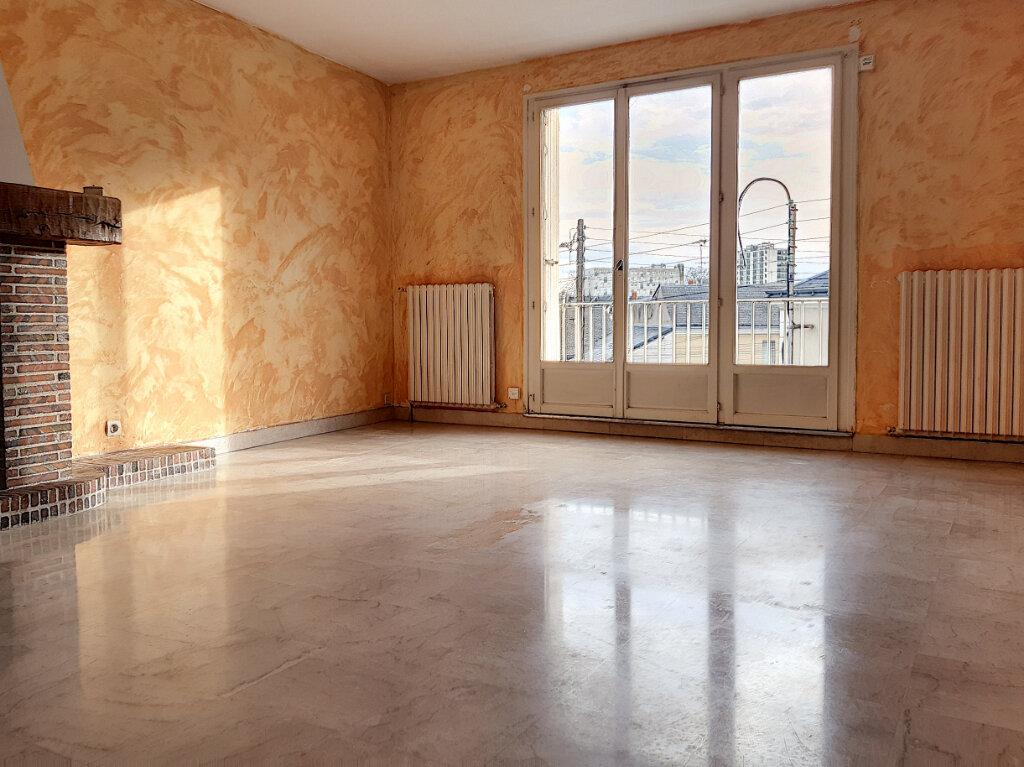 Appartement à louer 3 72.42m2 à Tours vignette-1