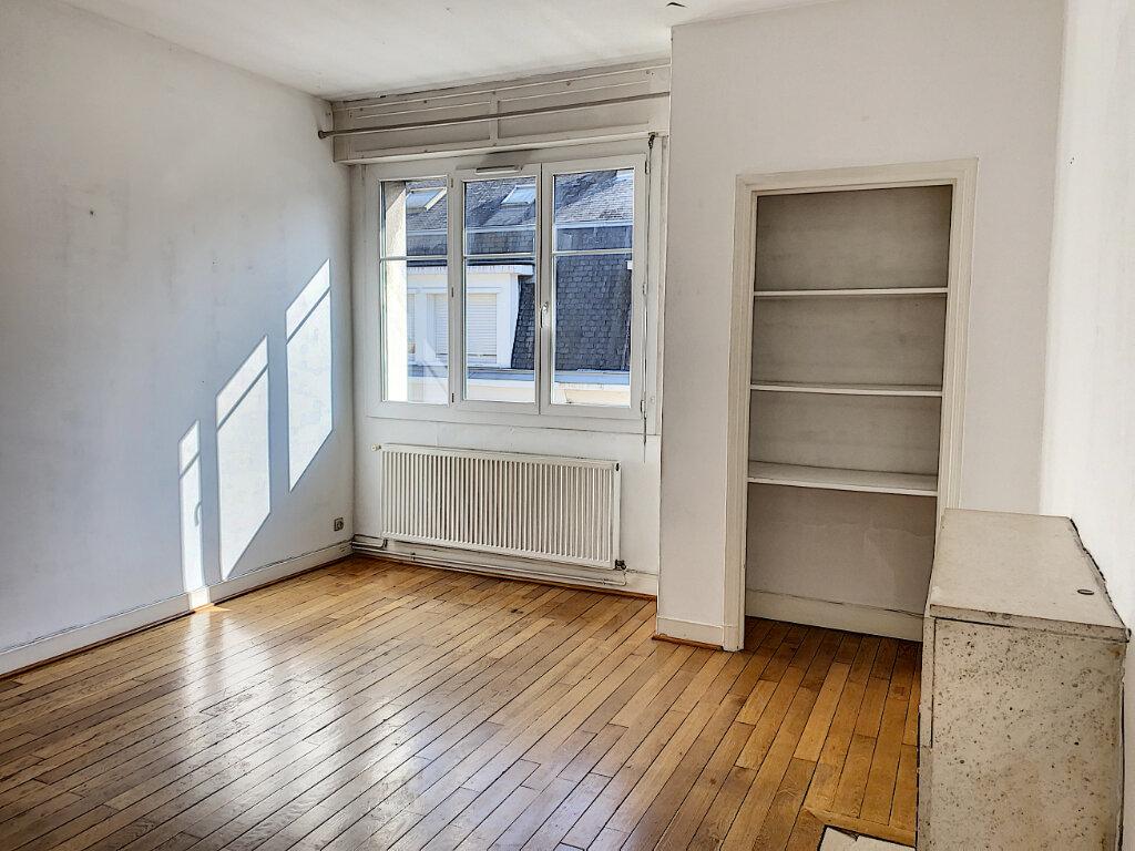 Appartement à louer 3 66.04m2 à Tours vignette-3