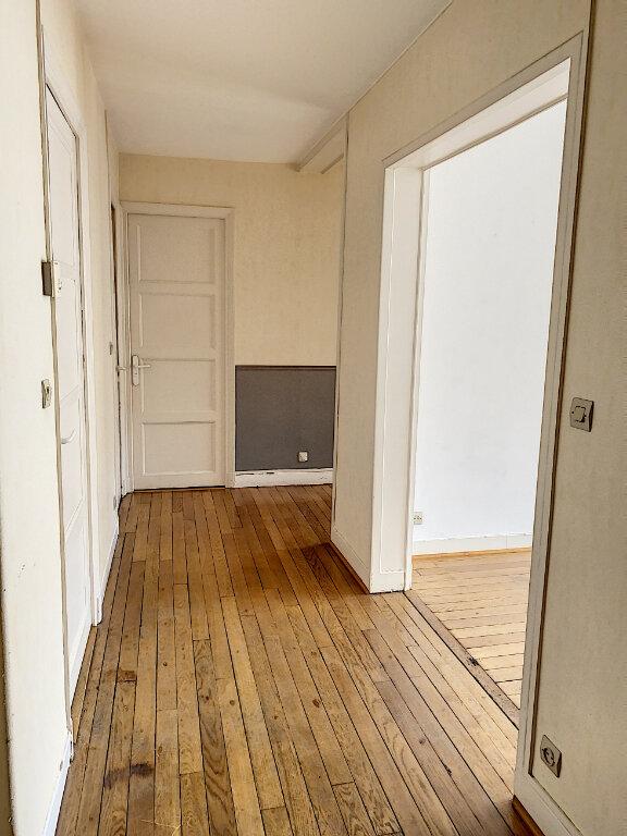 Appartement à louer 3 66.04m2 à Tours vignette-5
