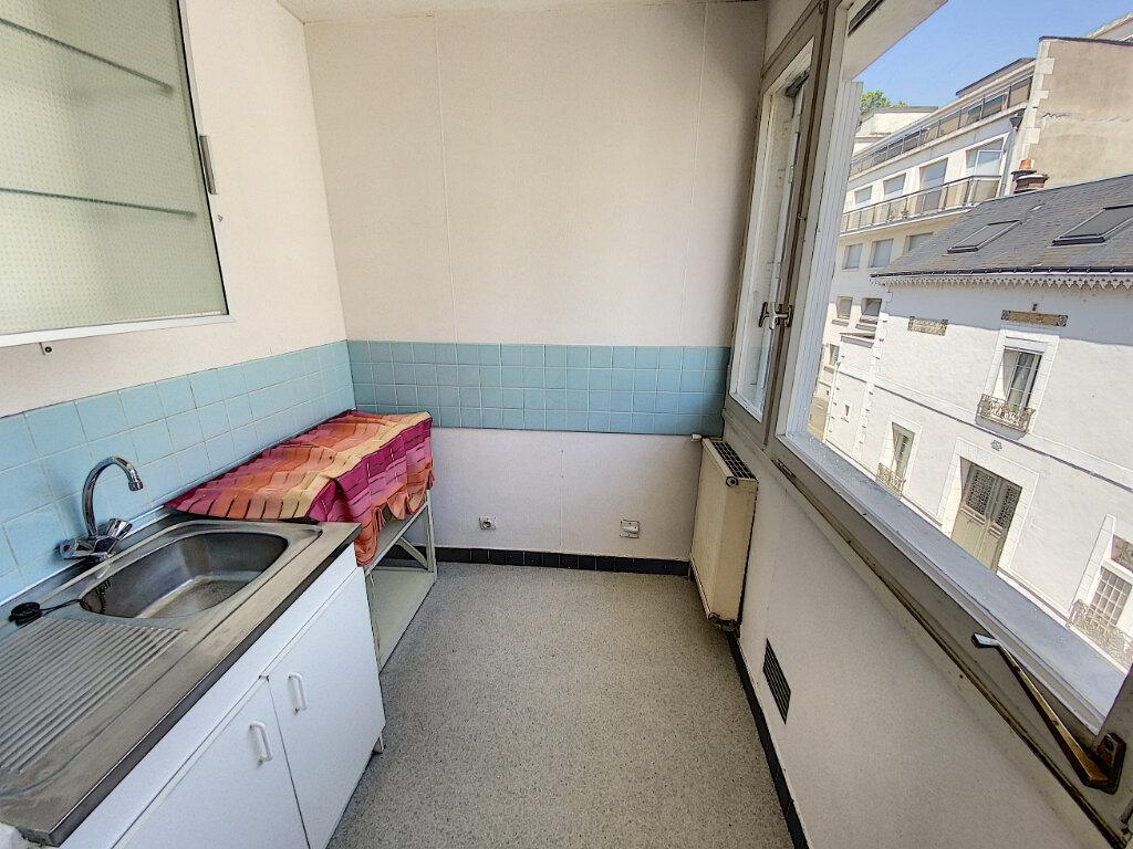 Appartement à louer 1 22.75m2 à Tours vignette-3