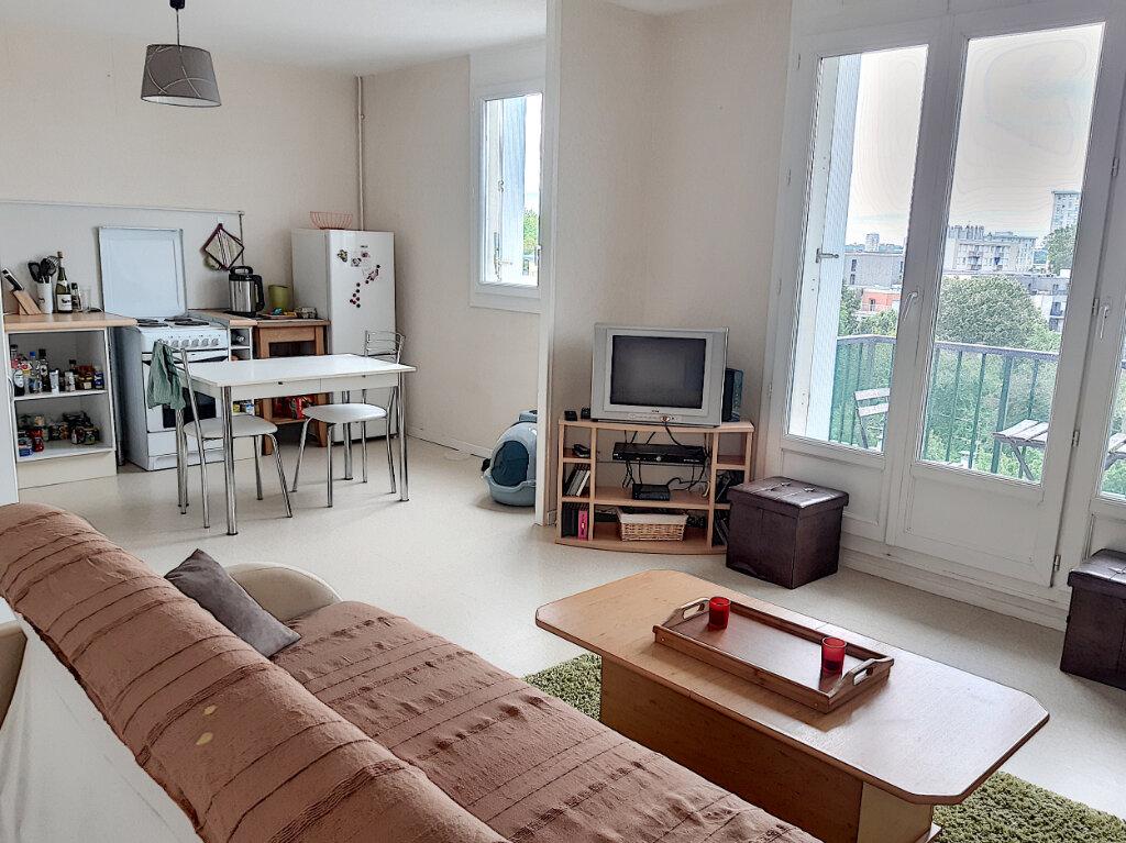 Appartement à louer 2 45.28m2 à La Riche vignette-1