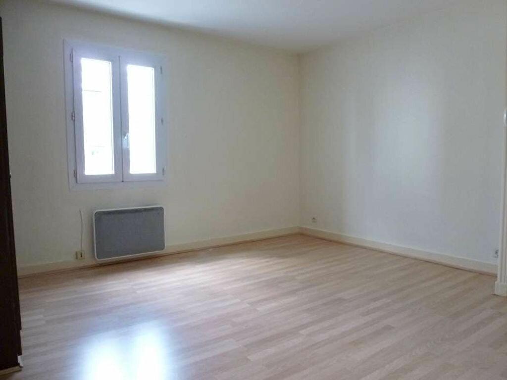 Appartement à louer 2 32.25m2 à Tours vignette-2