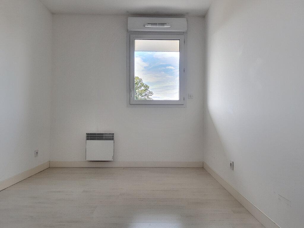 Appartement à louer 3 65.56m2 à Tours vignette-7