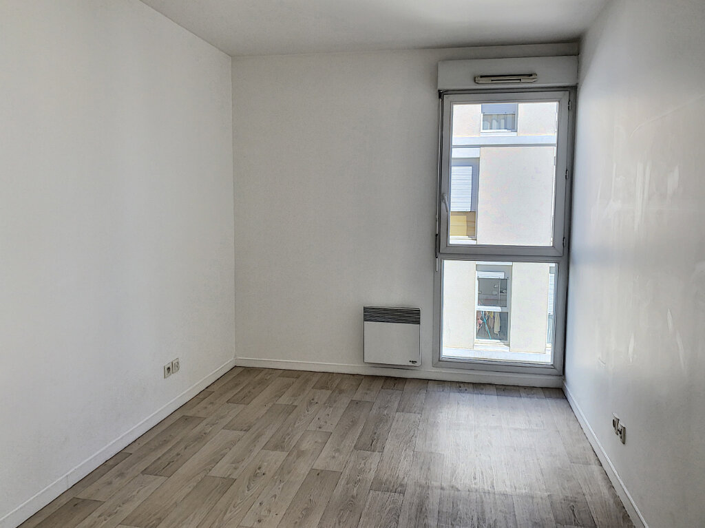 Appartement à louer 3 75m2 à Joué-lès-Tours vignette-8