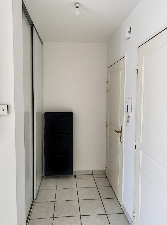 Appartement à louer 3 75m2 à Joué-lès-Tours vignette-10