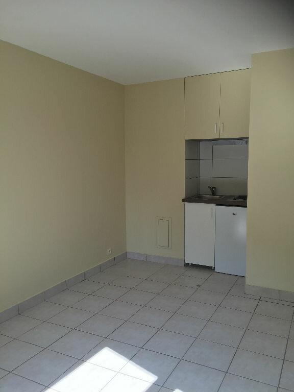 Appartement à louer 1 19.55m2 à La Garenne-Colombes vignette-1