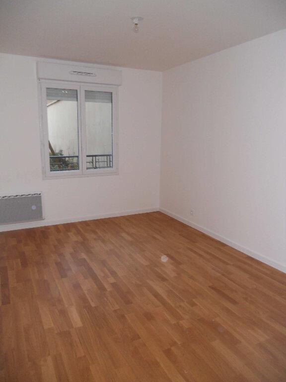 Appartement à louer 3 60.91m2 à Houilles vignette-2