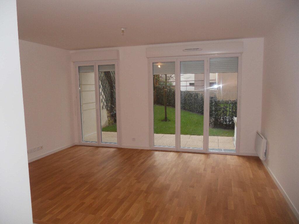 Appartement à louer 3 60.91m2 à Houilles vignette-4