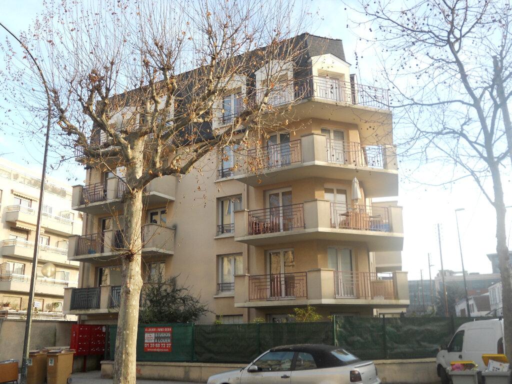 Appartement à louer 1 16.59m2 à La Garenne-Colombes vignette-1