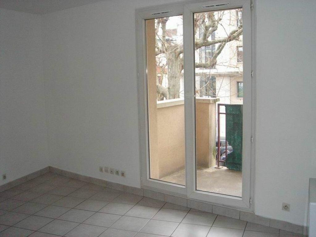 Appartement à louer 1 16.59m2 à La Garenne-Colombes vignette-2
