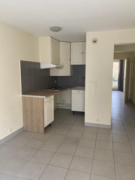 Appartement à louer 2 32.08m2 à La Garenne-Colombes vignette-1
