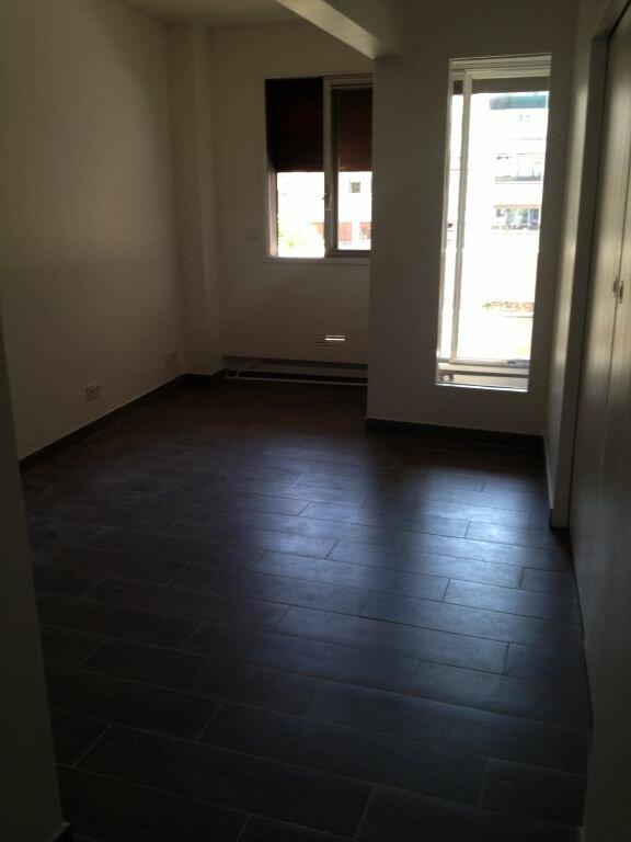 Appartement à louer 3 84.68m2 à Paris 16 vignette-6