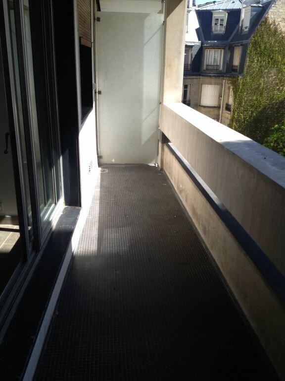 Appartement à louer 3 84.68m2 à Paris 16 vignette-8