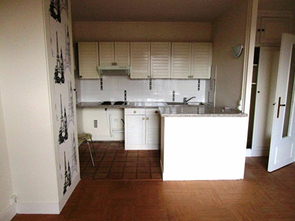 Appartement à louer 2 37.51m2 à Maisons-Laffitte vignette-2
