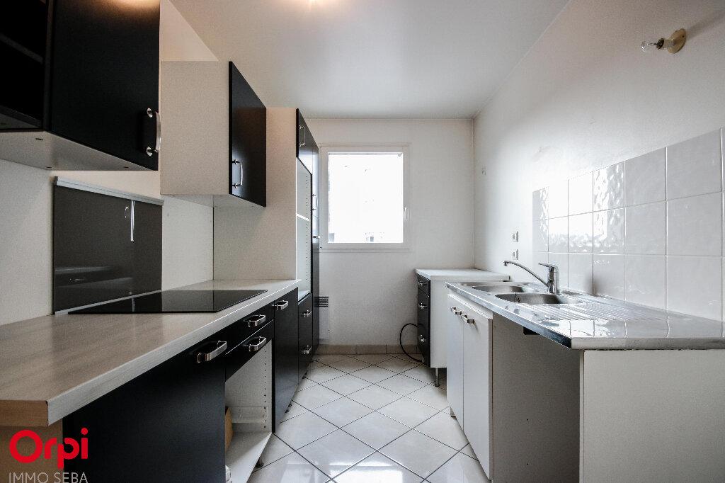 Appartement à vendre 3 67m2 à Rueil-Malmaison vignette-2