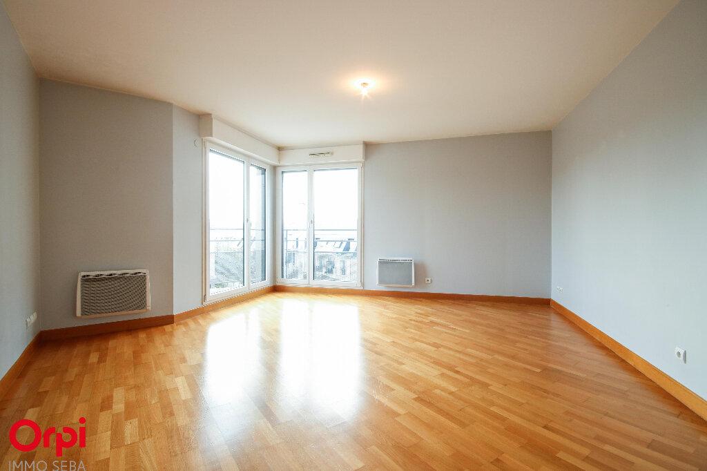 Appartement à vendre 3 67m2 à Rueil-Malmaison vignette-3