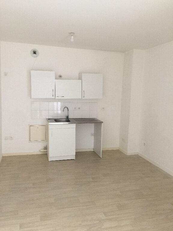 Appartement à louer 1 26.05m2 à Poissy vignette-1