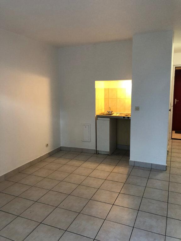Appartement à louer 1 20.09m2 à La Garenne-Colombes vignette-2