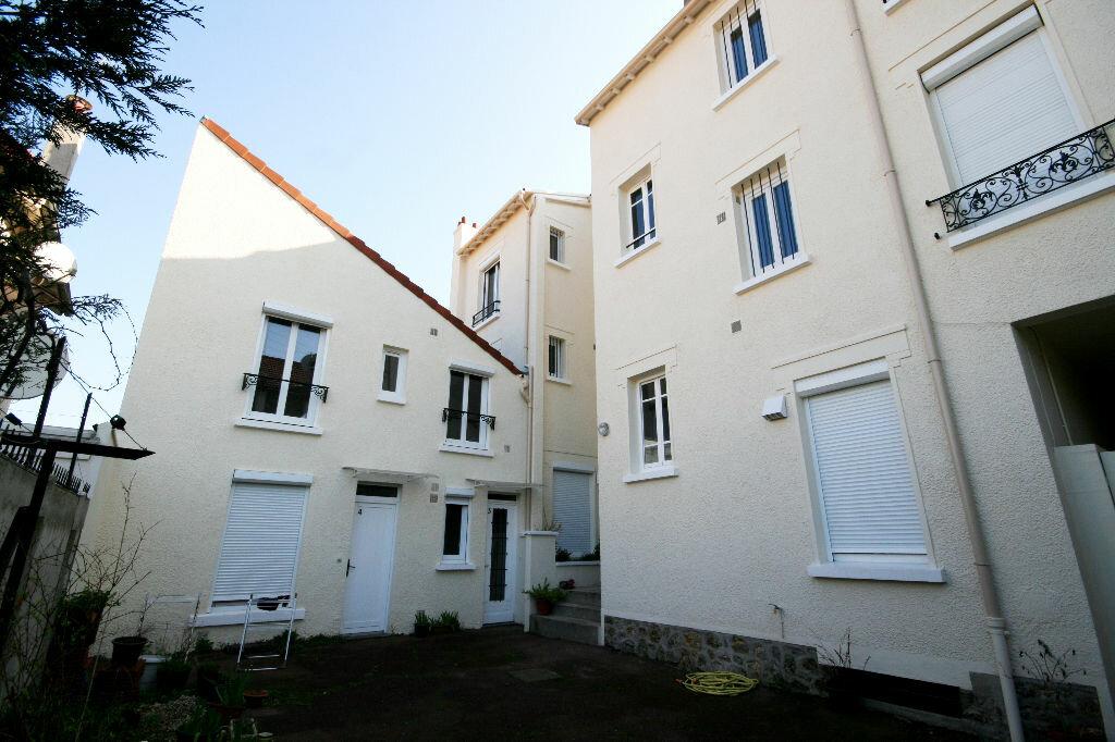 Appartement à louer 1 16m2 à Ermont vignette-1