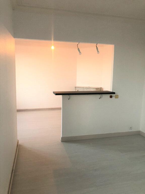 Appartement à louer 3 48.8m2 à Houilles vignette-2