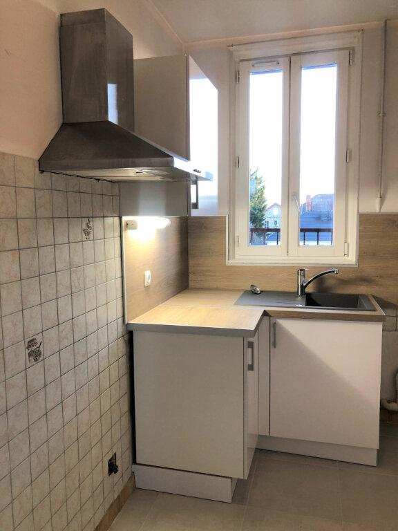 Appartement à louer 3 48.8m2 à Houilles vignette-3