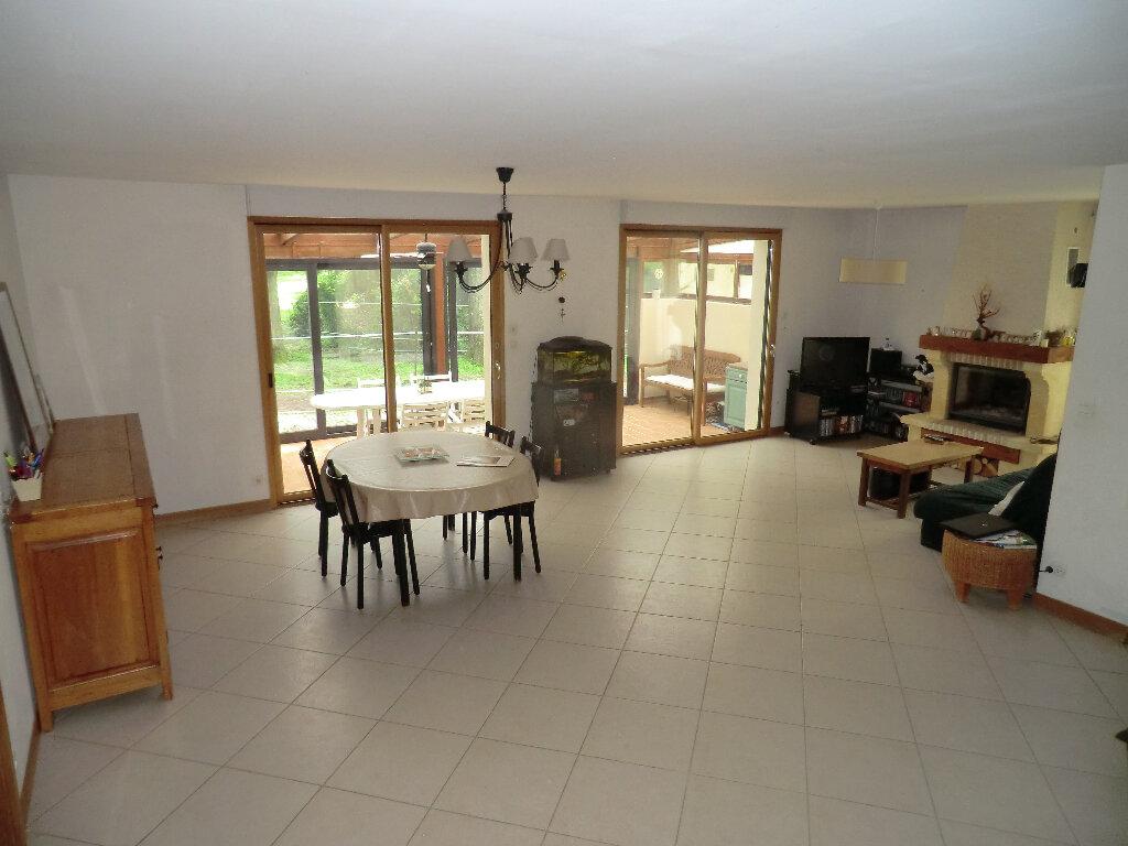 Maison à vendre 7 183m2 à Méry-sur-Oise vignette-2