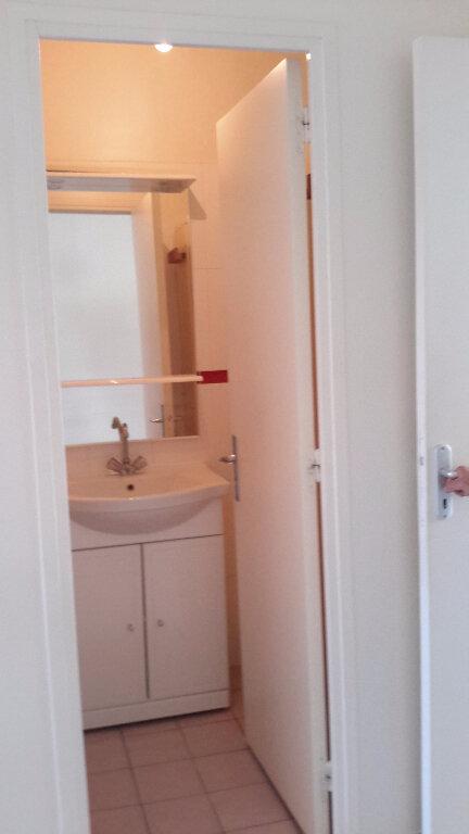 Appartement à louer 2 29.29m2 à L'Isle-Adam vignette-5