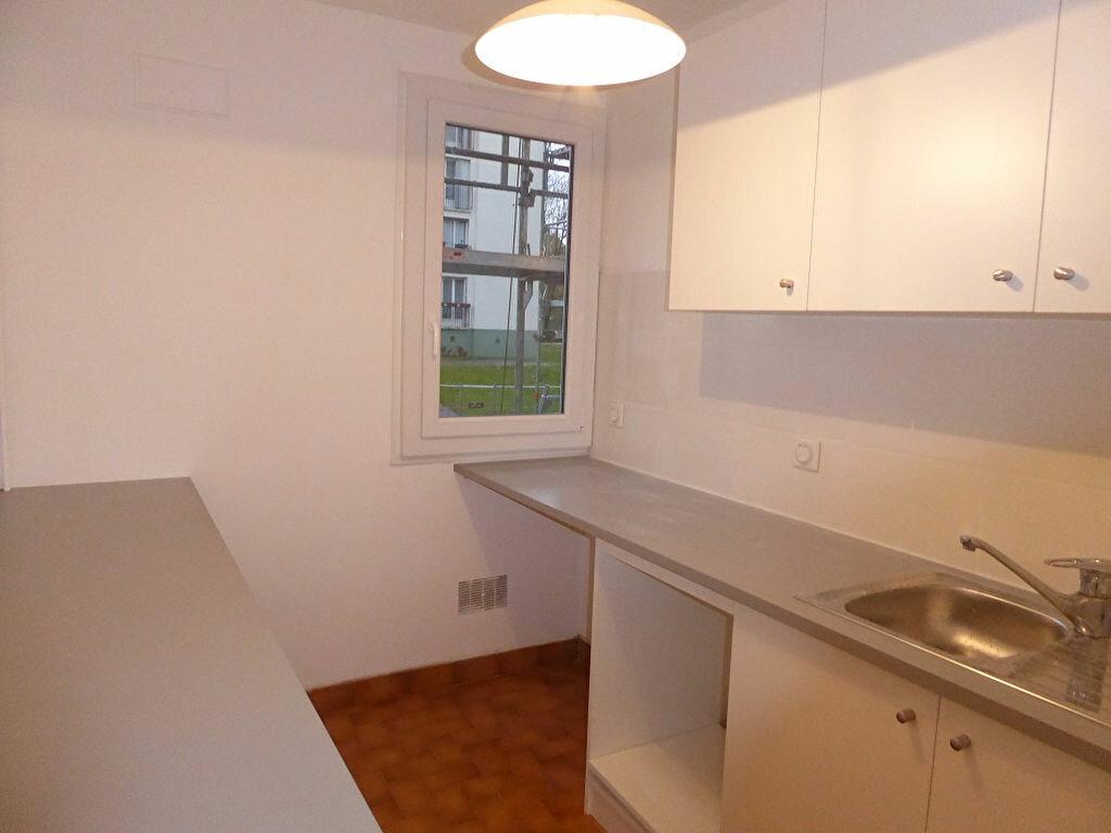 Appartement à louer 3 56.4m2 à Taverny vignette-4