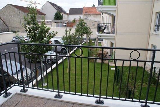 Appartement à louer 3 64m2 à Le Plessis-Bouchard vignette-1