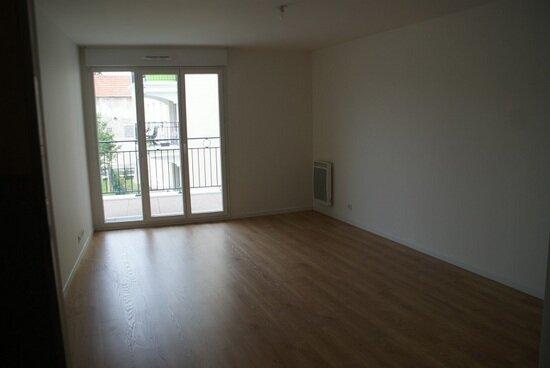 Appartement à louer 3 64m2 à Le Plessis-Bouchard vignette-2