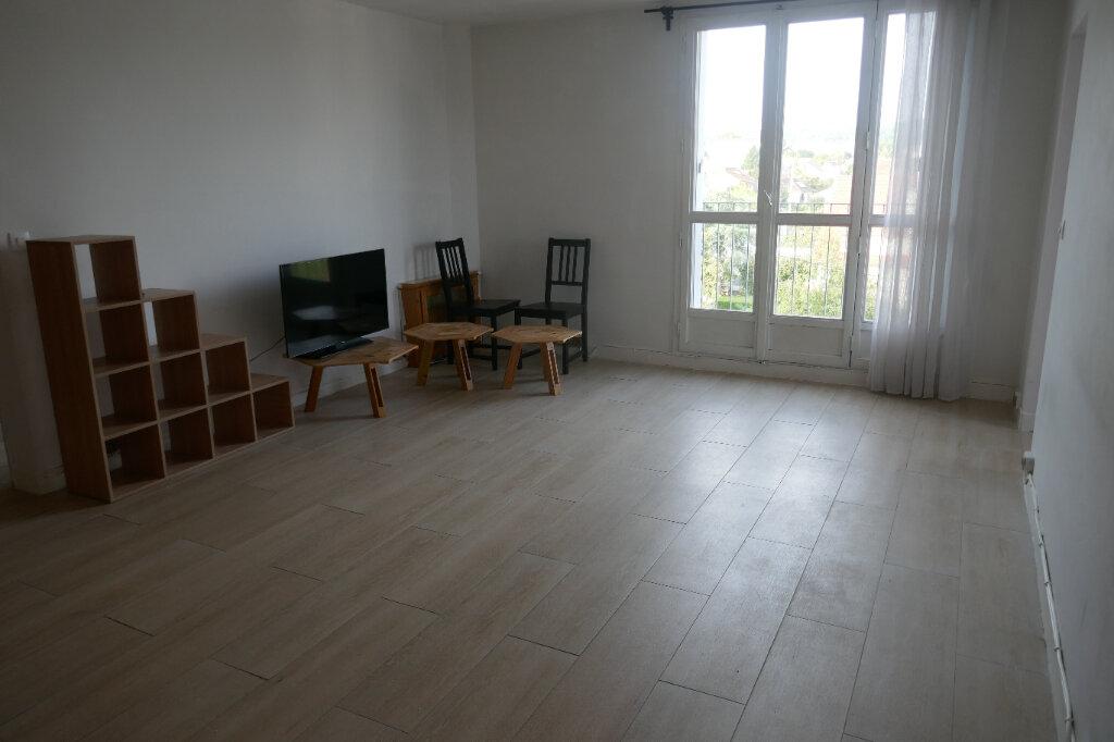 Appartement à louer 4 68.76m2 à Taverny vignette-2