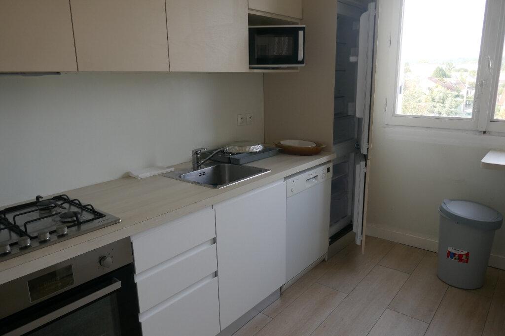 Appartement à louer 4 68.76m2 à Taverny vignette-3