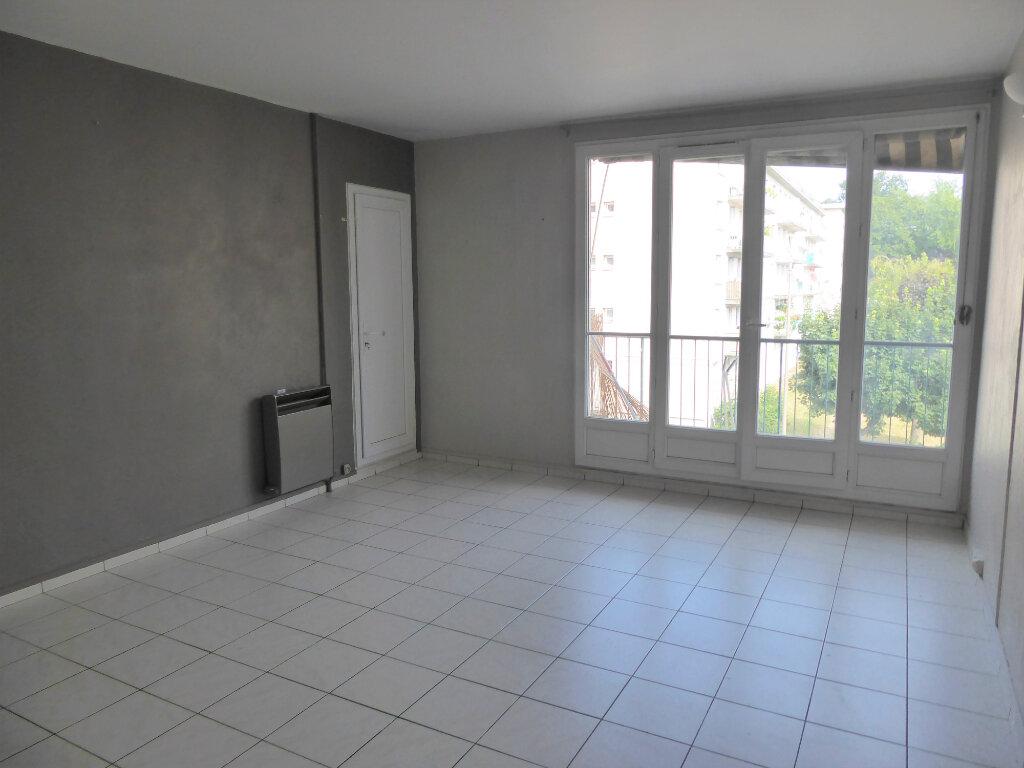 Appartement à louer 4 72.68m2 à Franconville vignette-2